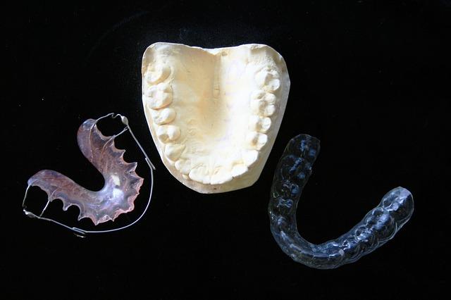 目立たない歯科矯正をしたいならこの2つを重視しよう